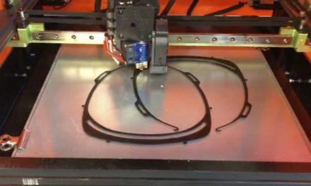Familia Torres colabora contra el coronavirus fabricando material sanitario con impresión 3D