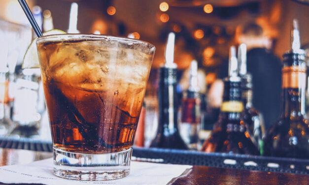 Pernod Ricard invitará a 100.000 copas a los españoles para reactivar la hostelería, invirtiendo cerca de 25 millones de euros en acciones promocionales