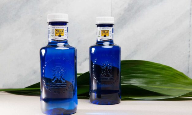 Solán de Cabras refuerza su compromiso en sostenibilidad con su primera botella 100% plástico reciclado