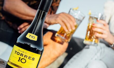 Torres Brandy renueva la imagen de su emblemático Torres 10 para dotarlo de un estilo sofisticado