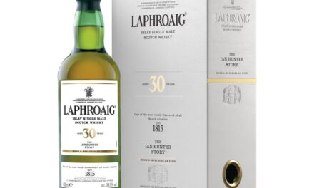 Laphroaig presenta el segundo whisky Ian Hunter, Book Two: Building an Icon