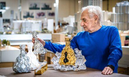 Hennessy XO celebra 150 años con un decantador de Frank Gehry valorado en 15.000 libras