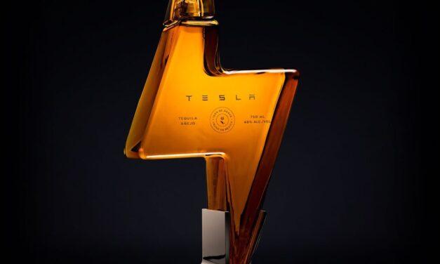 Tesla lanza un tequila de 250 dólares