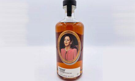 La vicepresidenta Kamala Harris tiene su propio whisky, MADAM