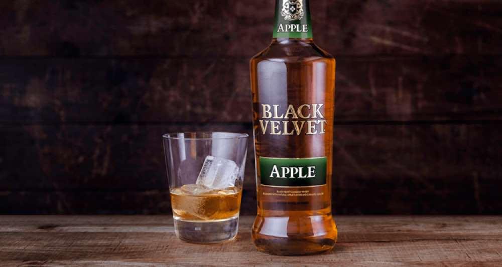 Black Velvet lanza Black Velvet Apple Whisky