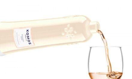 Komos Reposado Rosa redefine el tequila rosa