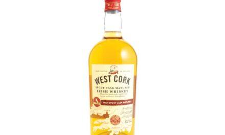 West Cork Distillers embotella un whisky de barril de cerveza negra