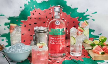 Absolut embotella vodka con sabor a sandía en Absolut Watermelon