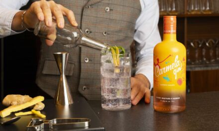 Carmela gin, la ginebra canaria perteneciente a Grupo de Empresas Arehucas, cambia de imagen