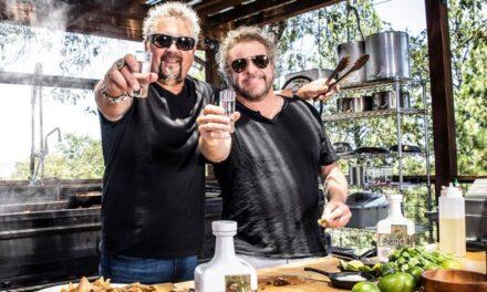 Sammy Hagar y Guy Fieri estrenan el tequila Santo Reposado