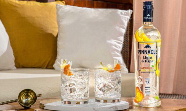 Pinnacle Vodka lanza la gama Light & Ripe, con madreselva de albaricoque y lima de guayaba
