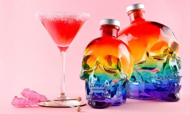 El vodka Crystal Head celebra el orgullo con una botella de edición limitada