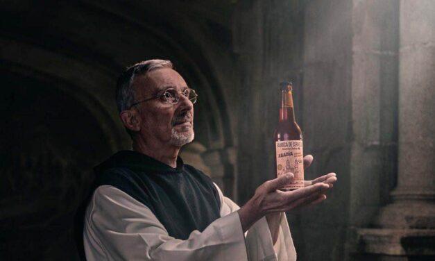 Estrella Galicia lanza su primera cerveza Abadía, tributo al monasterio de Sobrado dos Monxes