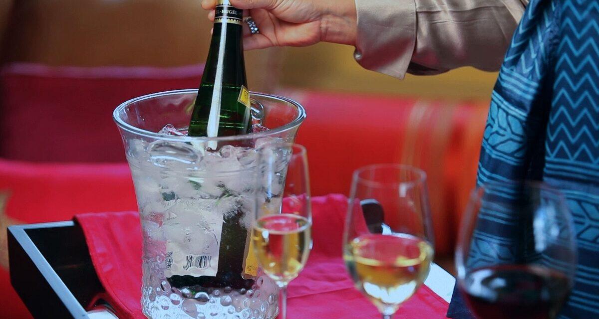 ¿Cuántos minutos tarda en enfriarse un vino?