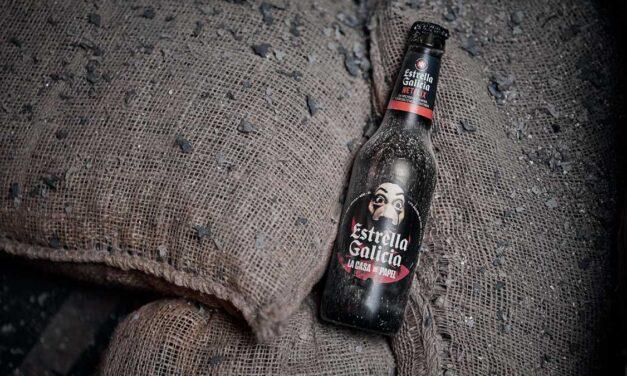 Estrella Galicia lanza una edición limitada en la que rinde homenaje a la serie de Netflix La Casa de Papel