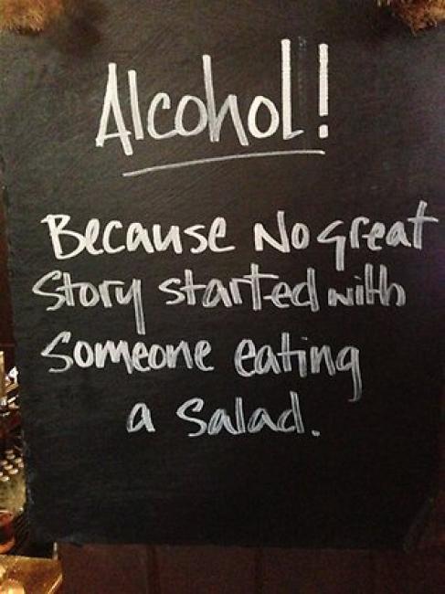 Porque ninguna gran historia comienza con alguien comiendo una ensalada