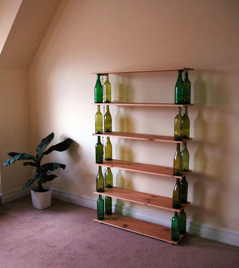 Vino reutilizar botella librero