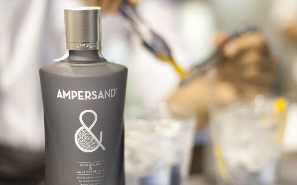 Ampersand, ginebra que fusiona dos universos