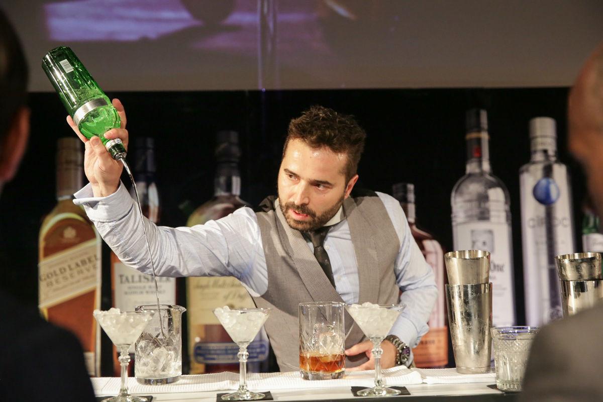 Borja Cortina competirá en Sudáfrica por el título de mejor bartender del mundo