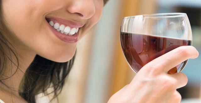 El vino, elemento protector frente a la caries