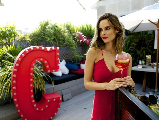 Ariadne Artiles inaugura la segunda Campari Red Suite