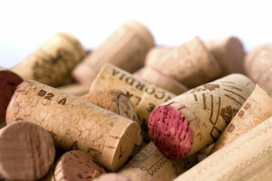 El corcho, presente en un 70% de las botellas vendidas
