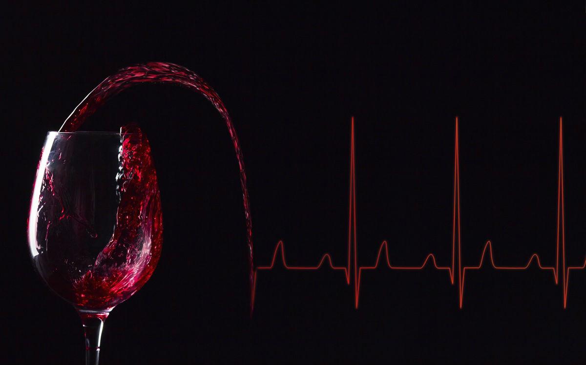 ¿El vino tinto elimina la grasa de los alimentos?