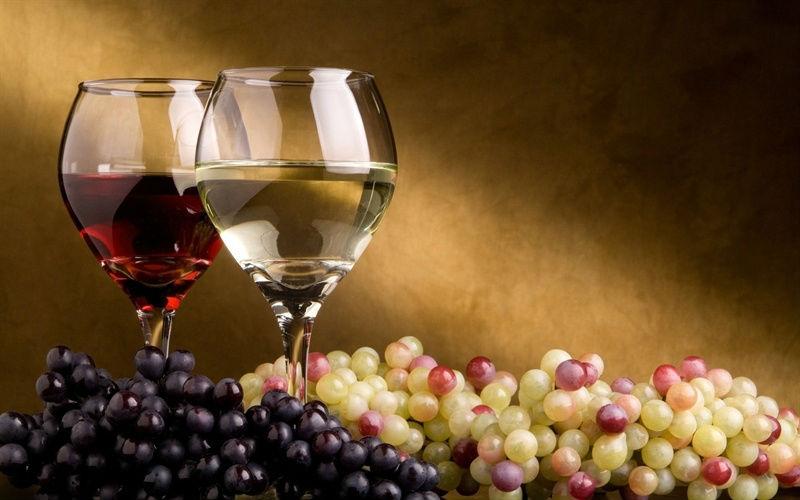 En un mercado mundial a la baja, crecen las compras de vino español